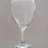 כוס שתיה על רגל